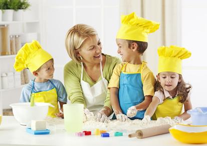 cuisiner en famille avec tablier tiguidou